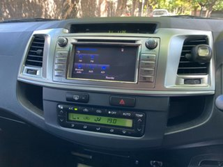 2014 Toyota Hilux KUN26R MY14 SR5 Double Cab White 5 Speed Automatic Utility