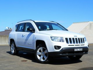 2014 Jeep Compass MK MY14 Sport White 5 Speed Manual Wagon.