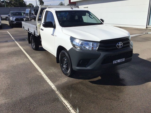 Used Toyota Hilux TGN121R Workmate 4x2 Cardiff, 2018 Toyota Hilux TGN121R Workmate 4x2 White 5 Speed Manual Cab Chassis