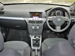 2006 Holden Astra AH MY06.5 CD Silver 5 Speed Manual Coupe