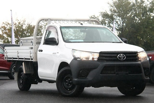 Used Toyota Hilux GUN122R Workmate 4x2 Essendon North, 2016 Toyota Hilux GUN122R Workmate 4x2 White 5 Speed Manual Cab Chassis
