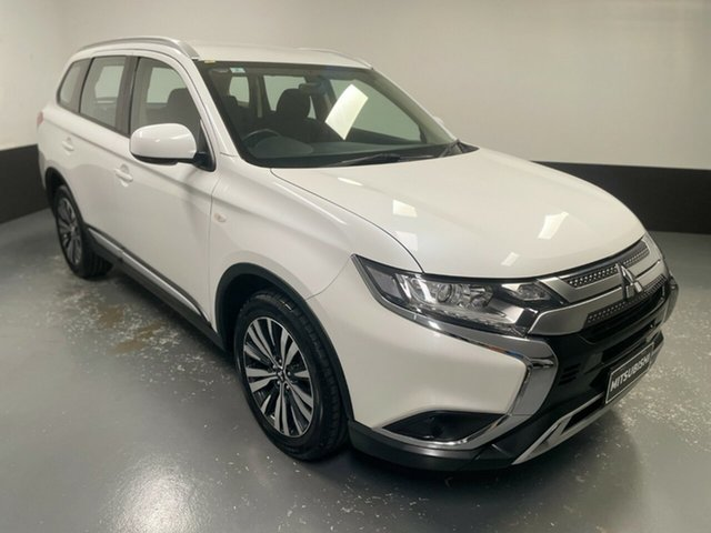 Used Mitsubishi Outlander ZL MY19 ES 2WD Hamilton, 2019 Mitsubishi Outlander ZL MY19 ES 2WD White 6 Speed Constant Variable Wagon