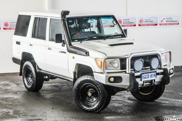 Pre-Owned Toyota Landcruiser VDJ76R MY13 Workmate Myaree, 2012 Toyota Landcruiser VDJ76R MY13 Workmate French Vanilla 5 Speed Manual Wagon