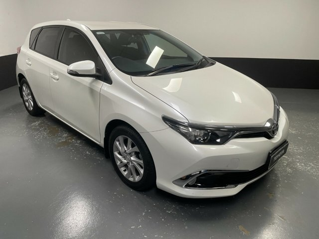 Used Toyota Corolla ZRE182R Ascent Sport Hamilton, 2016 Toyota Corolla ZRE182R Ascent Sport White 6 Speed Manual Hatchback