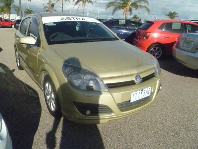 Used Holden Astra AH CD Moorabbin, 2004 Holden Astra AH CD Gold 5 Speed Manual Hatchback