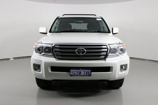 2014 Toyota Landcruiser VDJ200R MY13 Sahara (4x4) White 6 Speed Automatic Wagon.