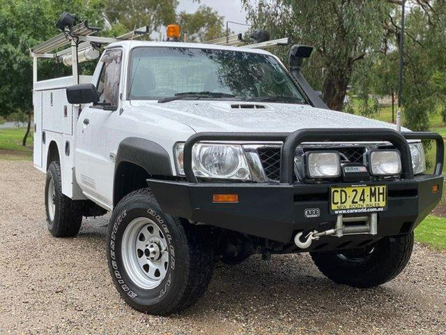 Used Nissan Patrol Y61 Series 5 MY15 DX Wodonga, 2015 Nissan Patrol Y61 Series 5 MY15 DX White 5 Speed Manual Cab Chassis