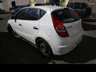 2009 Hyundai i30 FD MY10 SX 1.6 CRDi White 5 Speed Manual Hatchback.