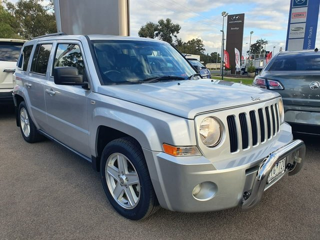 Used Jeep Patriot MK MY2010 Sport Epsom, 2010 Jeep Patriot MK MY2010 Sport Silver 5 Speed Manual Wagon