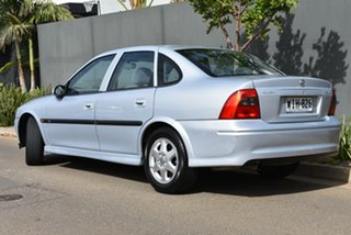 1999 Holden Vectra JS CD Grey 5 Speed Manual Sedan.