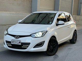 2014 Hyundai i20 PB MY15 Active White 6 Speed Manual Hatchback.