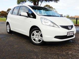 2008 Honda Jazz GE MY09 VTi White 5 Speed Automatic Hatchback.