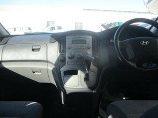 2009 Hyundai iMAX TQ White 5 Speed Automatic Wagon