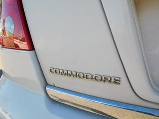 2004 Holden Commodore VY II Equipe White 4 Speed Automatic Sedan