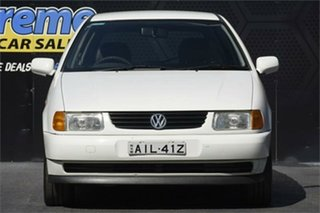 1999 Volkswagen Polo A03 White 4 Speed Automatic Hatchback.