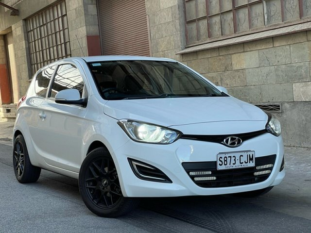 Used Hyundai i20 PB MY15 Active Cheltenham, 2014 Hyundai i20 PB MY15 Active White 6 Speed Manual Hatchback