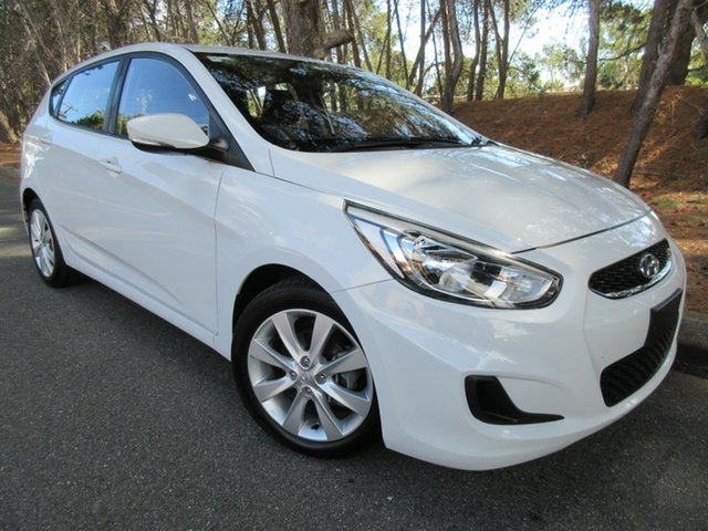 Used Hyundai Accent RB6 MY18 Sport Reynella, 2018 Hyundai Accent RB6 MY18 Sport Chalk White/charcoal 6 Speed Sports Automatic Hatchback