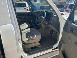 2007 Nissan Patrol GU 6 MY08 ST White 5 Speed Manual Cab Chassis