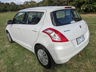 2014 Suzuki Swift White 5 Speed Automatic Hatchback