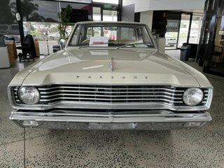 1968 Chrysler Valiant VE Cream 3 Speed Automatic Sedan.