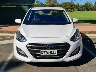 2015 Hyundai i30 GD3 Series II MY16 Active White 6 Speed Manual Hatchback.