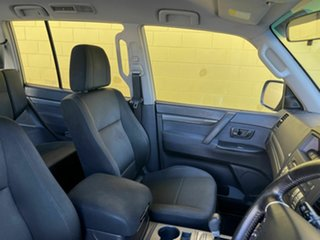 2009 Mitsubishi Pajero Gold 6 Speed Automatic Wagon