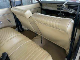 1968 Chrysler Valiant VE Cream 3 Speed Automatic Sedan