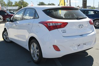 2013 Hyundai i30 GD2 MY14 Trophy White 6 Speed Sports Automatic Hatchback.