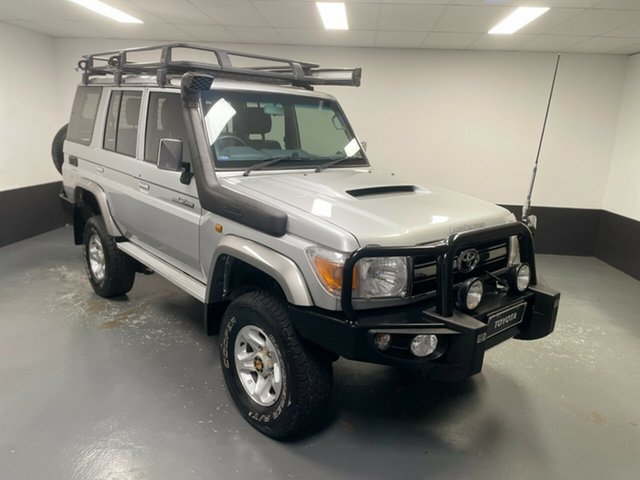 Used Toyota Landcruiser VDJ76R MY13 GXL Hamilton, 2013 Toyota Landcruiser VDJ76R MY13 GXL Silver 5 Speed Manual Wagon