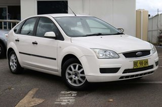 2007 Ford Focus LS CL White 4 Speed Sports Automatic Hatchback