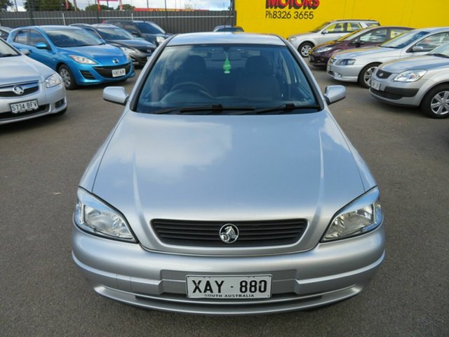 Used Holden Astra Morphett Vale, 2004 Holden Astra Silver 5 Speed Manual Hatchback