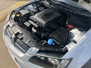 2010 Holden Commodore VE MY10 Omega White 6 Speed Sports Automatic Sedan