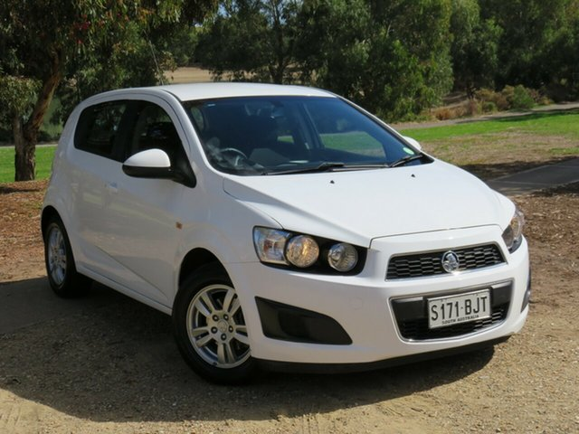 Used Holden Barina TM MY16 CD Morphett Vale, 2015 Holden Barina TM MY16 CD White 5 Speed Manual Hatchback