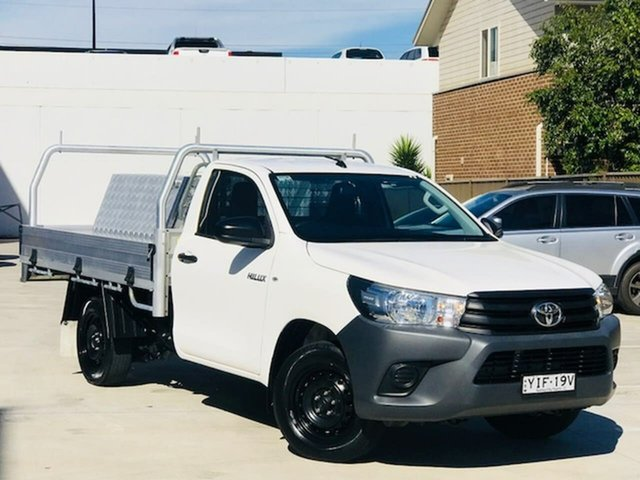 Used Toyota Hilux TGN121R Workmate 4x2 Liverpool, 2017 Toyota Hilux TGN121R Workmate 4x2 White 5 Speed Manual Cab Chassis