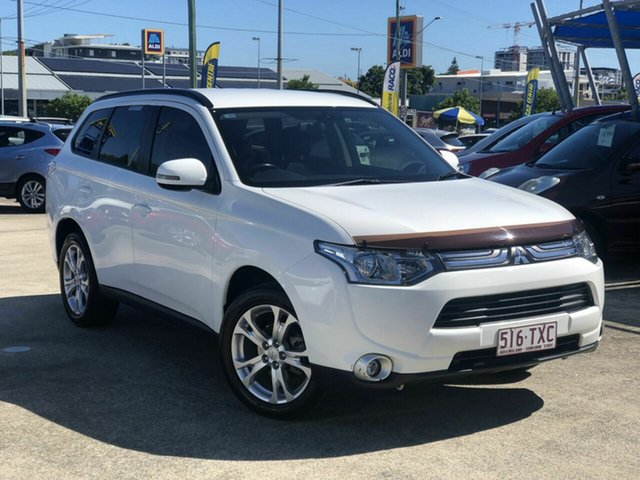Used Mitsubishi Outlander ZJ MY14 LS 2WD Chermside, 2013 Mitsubishi Outlander ZJ MY14 LS 2WD White 6 Speed Constant Variable Wagon