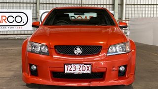 2006 Holden Commodore VE SV6 Orange 5 Speed Sports Automatic Sedan.