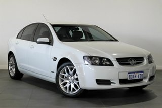 2010 Holden Commodore VE MY10 International White 6 Speed Sports Automatic Sedan.