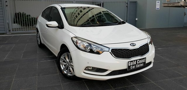Used Kia Cerato YD MY15 S Southport, 2015 Kia Cerato YD MY15 S White 6 Speed Manual Hatchback