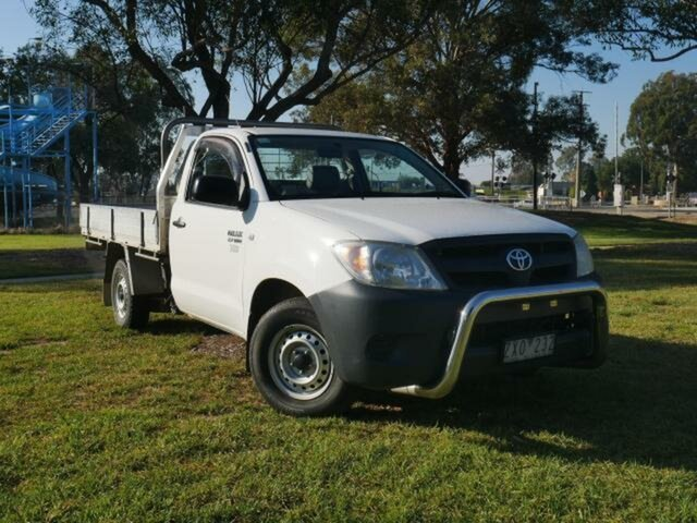 Used Toyota Hilux TGN16R Workmate Wangaratta, 2006 Toyota Hilux TGN16R Workmate Glacier White 5 Speed Manual Cab Chassis