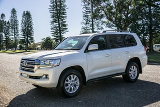 2018 Toyota Landcruiser VDJ200R VX White 6 Speed Sports Automatic Wagon.