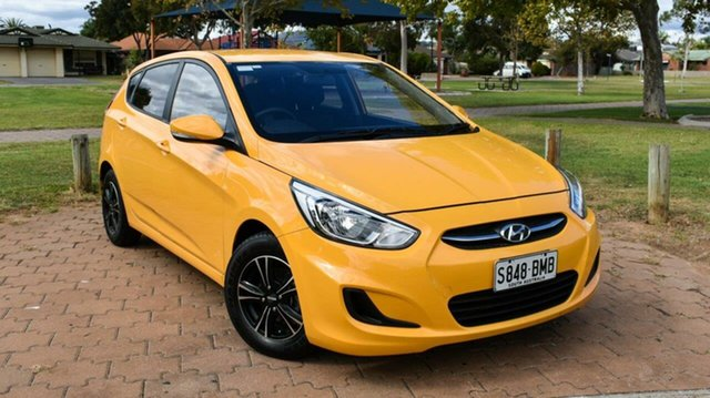 Used Hyundai Accent RB3 MY16 Active Ingle Farm, 2016 Hyundai Accent RB3 MY16 Active Yellow 6 Speed Constant Variable Hatchback