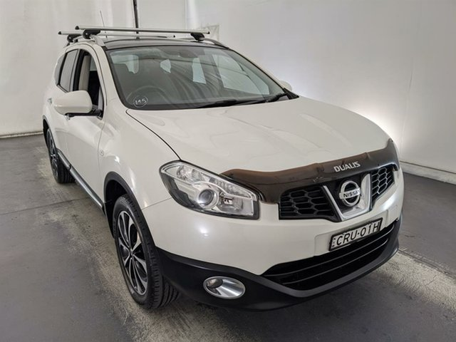 Used Nissan Dualis J107 Series 4 MY13 +2 Hatch X-tronic 2WD Ti-L Maryville, 2013 Nissan Dualis J107 Series 4 MY13 +2 Hatch X-tronic 2WD Ti-L White 6 Speed Constant Variable