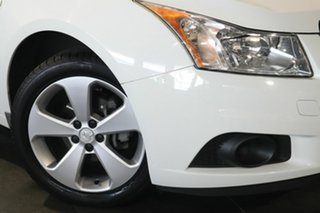 2013 Holden Cruze JH Series II MY13 Equipe White 6 Speed Sports Automatic Sedan.