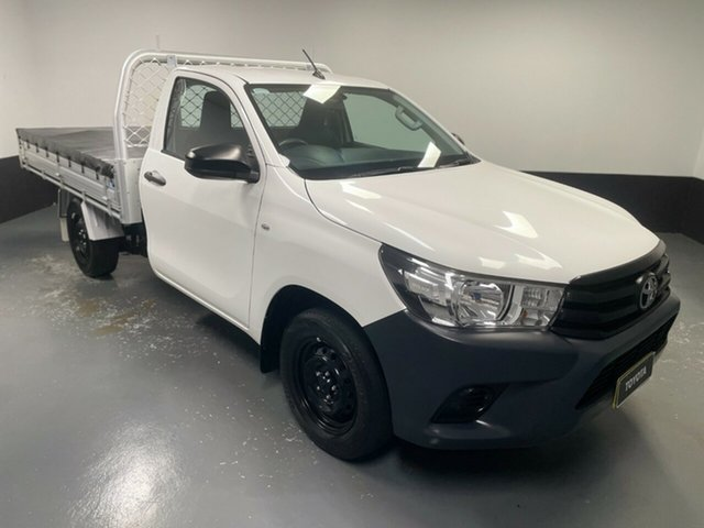 Used Toyota Hilux TGN121R Workmate 4x2 Hamilton, 2016 Toyota Hilux TGN121R Workmate 4x2 White 5 Speed Manual Cab Chassis
