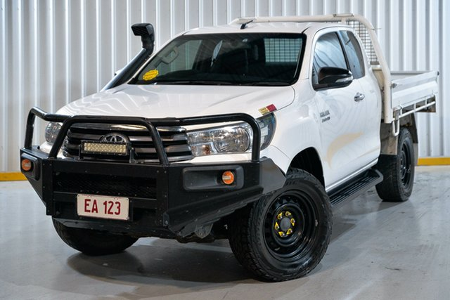 Used Toyota Hilux GUN126R SR Extra Cab Hendra, 2017 Toyota Hilux GUN126R SR Extra Cab White 6 Speed Manual Utility