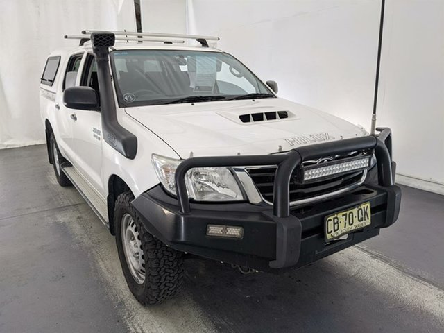 Used Toyota Hilux KUN26R MY14 SR Double Cab Maryville, 2014 Toyota Hilux KUN26R MY14 SR Double Cab White 5 Speed Manual Utility