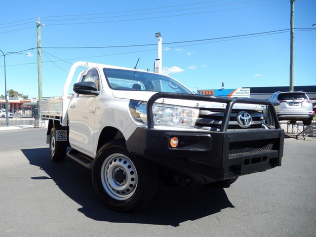 Pre-Owned Toyota Hilux GUN126R SR (4x4) Dalby, 2016 Toyota Hilux GUN126R SR (4x4) Glacier White 6 Speed Automatic Cab Chassis