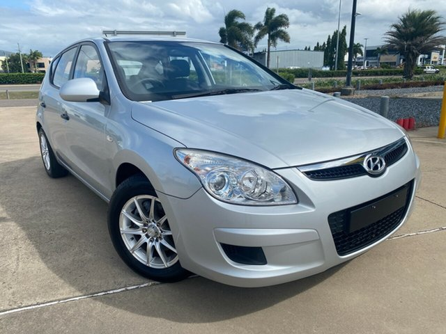 Used Hyundai i30 FD SX Townsville, 2007 Hyundai i30 FD SX Silver/270508 5 Speed Manual Hatchback