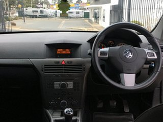 2005 Holden Astra AH MY05 CD Silver 5 Speed Manual Hatchback