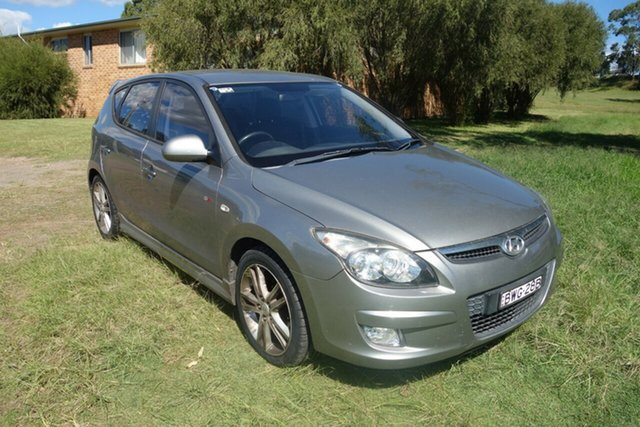 Used Hyundai i30 FD MY11 SR East Maitland, 2011 Hyundai i30 FD MY11 SR Silver 4 Speed Automatic Hatchback